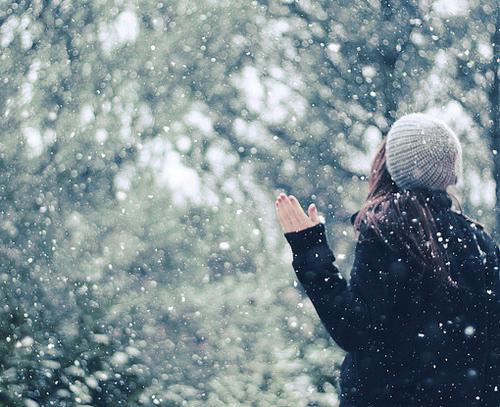 Фото на аву спиной зима