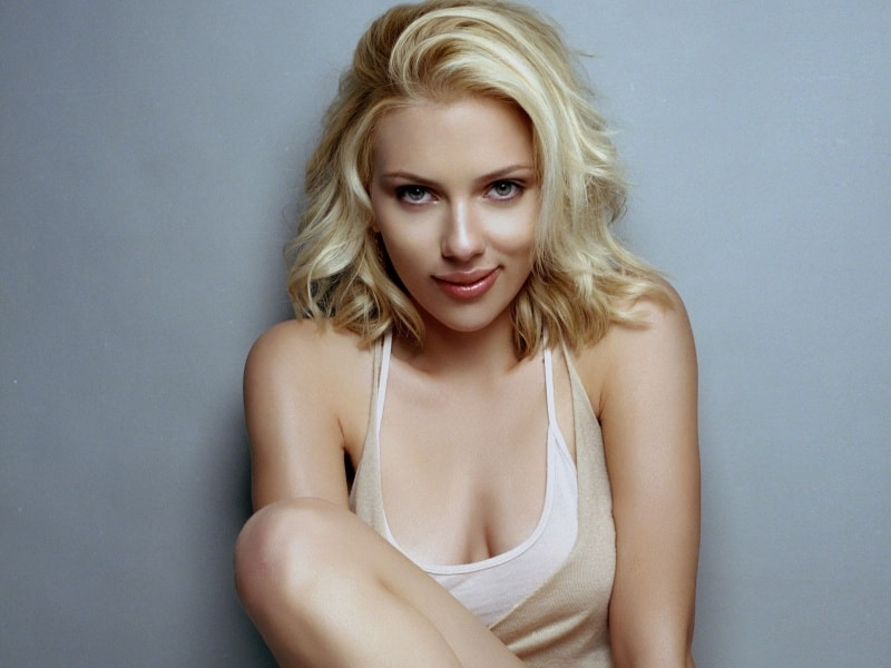 Показать красивых блондинок.